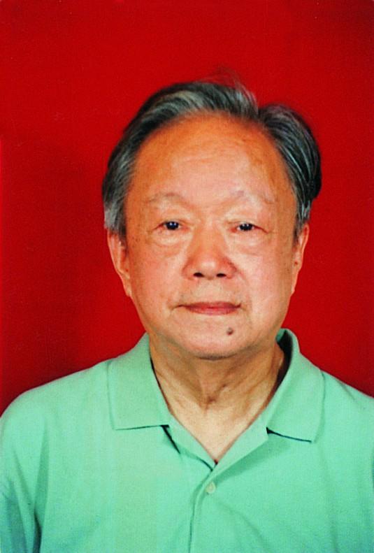 2金光灿(37届,原江苏省政协副秘书长).jpg